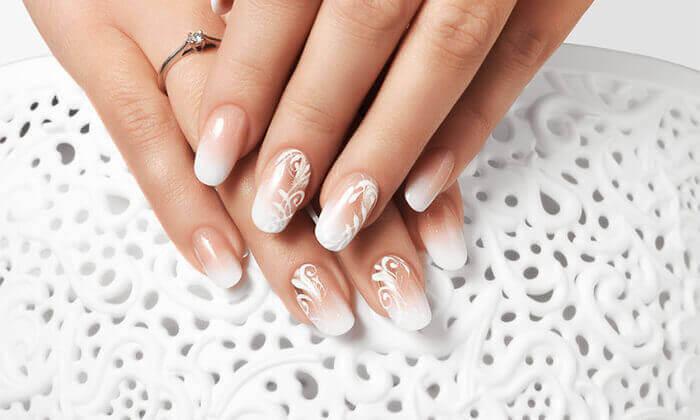 6 טיפולי מניקור ופדיקור ב-Pure White Cosmetic, דיזנגוף סנטר