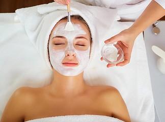 טיפולי פנים ב-Pure White