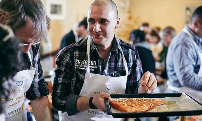 10 מגוון סדנאות בישול בשרים במבשלים חוויה - הבית של סדנאות הבישול, תל אביב