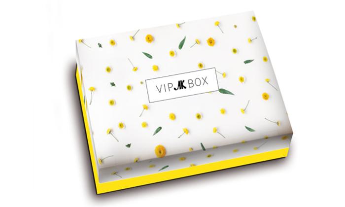 2 VIP BOX - מארז ההפתעות של מגזין 'את' במשלוח לכל הארץ