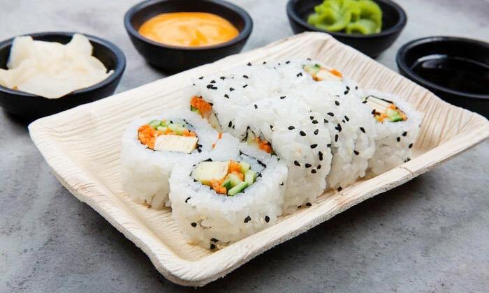 5 מגש סושי מסיבה ממסעדת NUCHI, כיכר המדינה