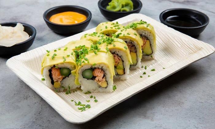 6 מגש סושי מסיבה ממסעדת NUCHI, כיכר המדינה