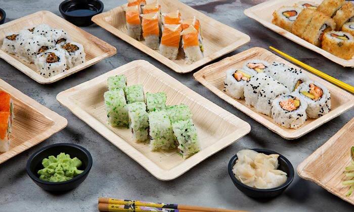 2 מגש סושי מסיבה ממסעדת NUCHI, כיכר המדינה