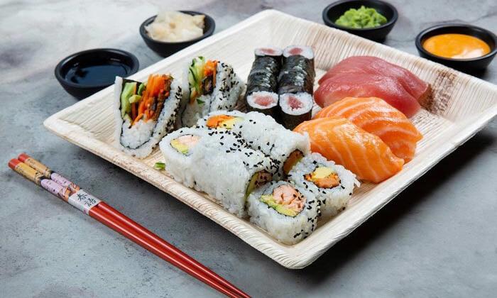 10 מגש סושי מסיבה ממסעדת NUCHI, כיכר המדינה