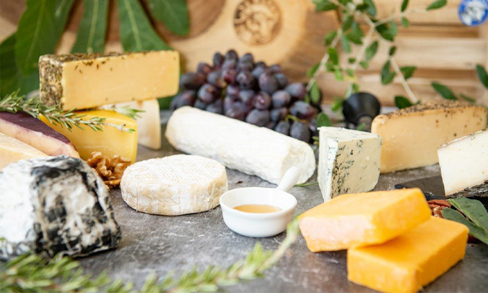 4 מארז גבינות בוטיק כשרות למהדרין ממחלבת גל, כפר טרומן