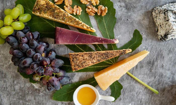 3 מארז גבינות בוטיק כשרות למהדרין ממחלבת גל, כפר טרומן