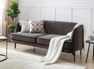 ספה תלת מושבית דגם 0002