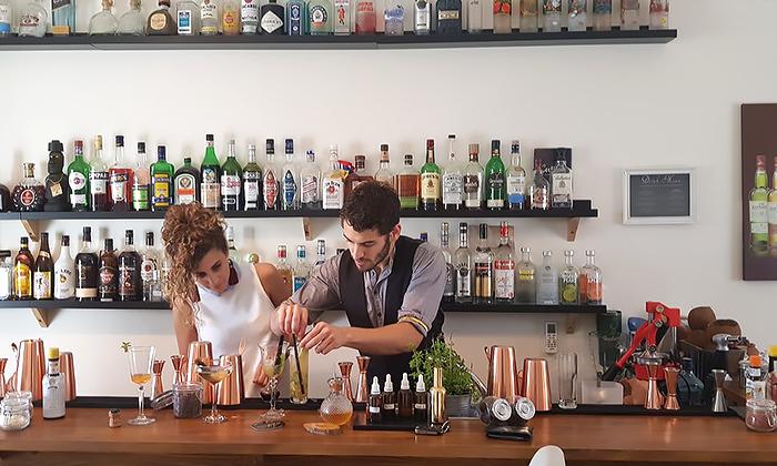 11 סדנת קוקטיילים LIVE בהנחית המומחים של Mixta Cocktails
