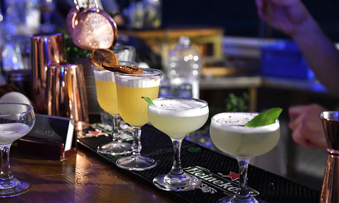 2 סדנת קוקטיילים LIVE בהנחית המומחים של Mixta Cocktails