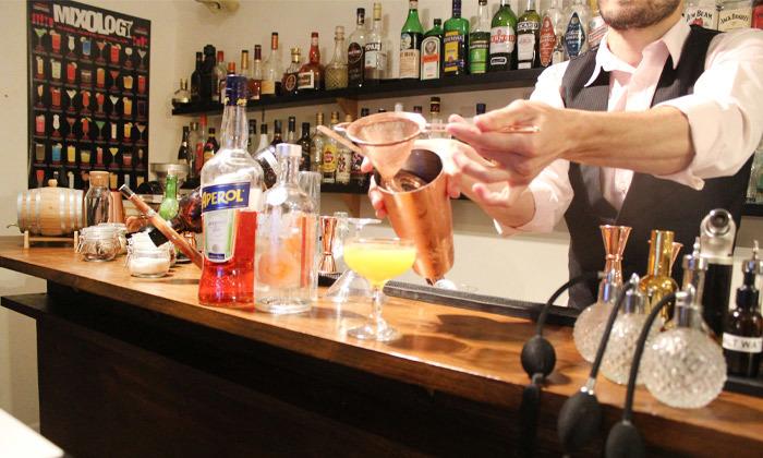 6 סדנת קוקטיילים LIVE בהנחית המומחים של Mixta Cocktails