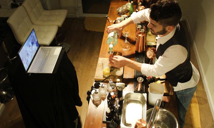 8 סדנת קוקטיילים LIVE בהנחית המומחים של Mixta Cocktails