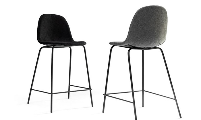 11 כיסא בר מרופד במבחר צבעים