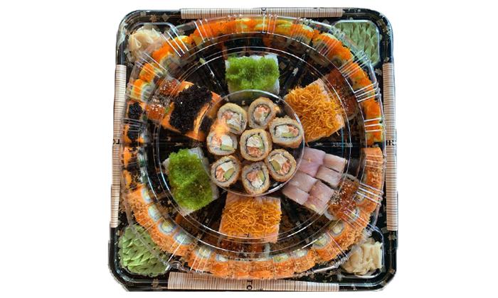 4 מגש סושי ב-T.A ממסעדת טורי TORII, רמת אביב