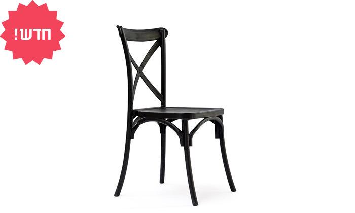 3 כיסא מפלסטיק לפינת אוכל