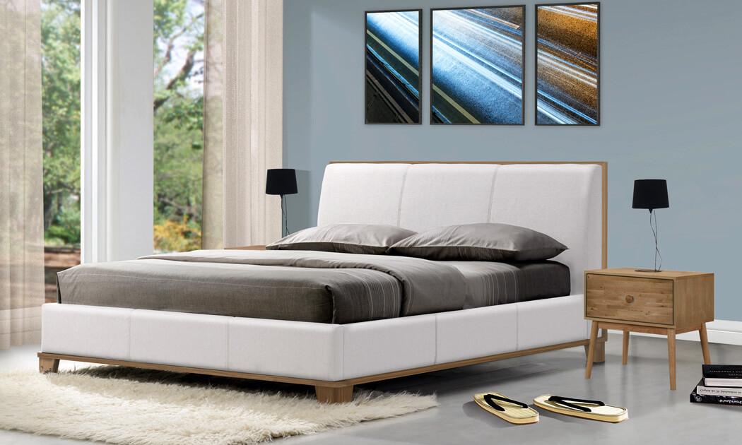 8 שמרת הזורע: מיטה זוגית מרופדת