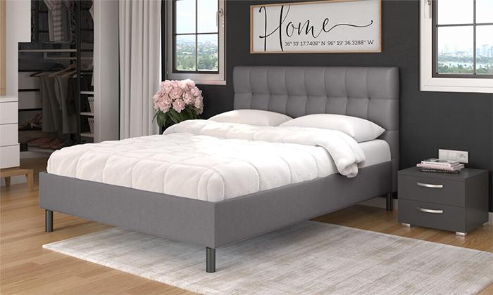 11 שמרת הזורע: מיטה עם ארגז מצעים