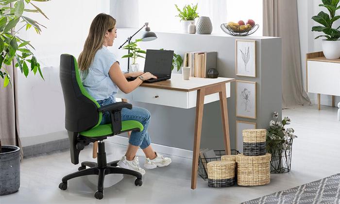 4 שולחן כתיבה עם זוג מגירות של שמרת הזורע, דגם שקד