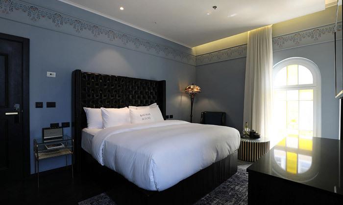 """7 לילה לזוג במלון הבוטיק """"בית בכר"""", תל אביב"""