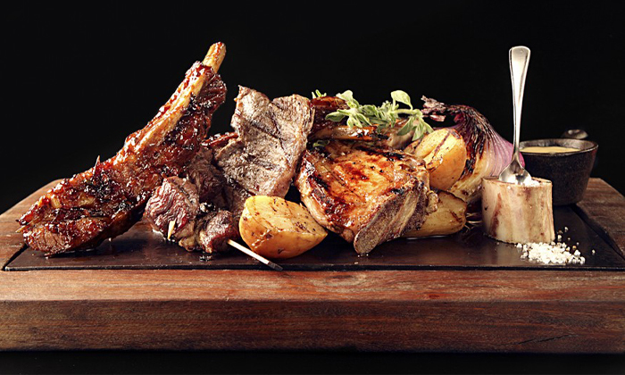 2 ארוחת בשרים זוגית עם יין וקינוח במסעדת פאפאגאיו, הרצליה