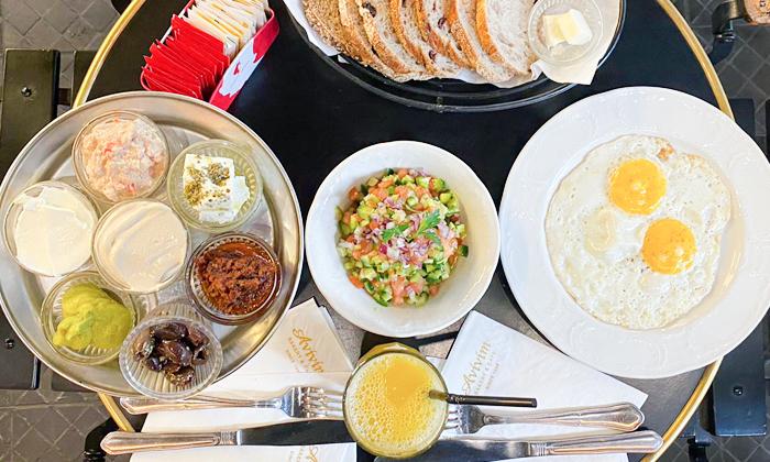 2 ארוחת בוקר זוגית בקפה אביבים Avivim Bakery & Cafe, רמת אביב