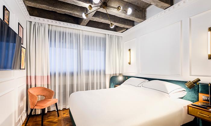 4 בואו להתפנק: לילה ועיסוי זוגי במלון הבוטיק BoBo, תל אביב