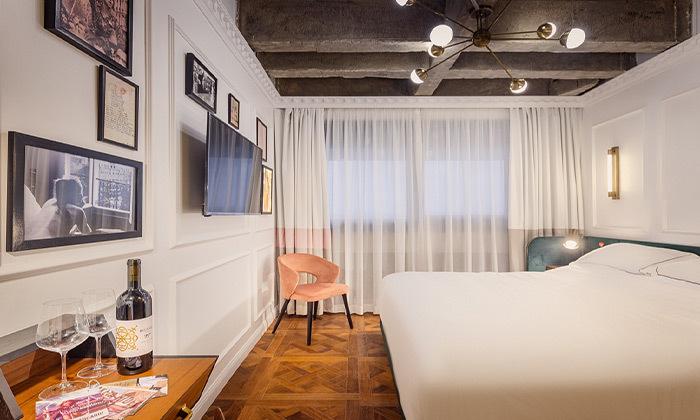 3 בואו להתפנק: לילה ועיסוי זוגי במלון הבוטיק BoBo, תל אביב