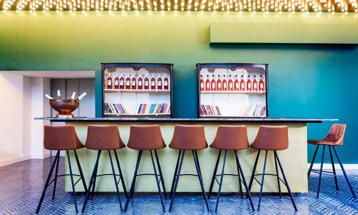 9 בואו להתפנק: לילה ועיסוי זוגי במלון הבוטיק BoBo, תל אביב