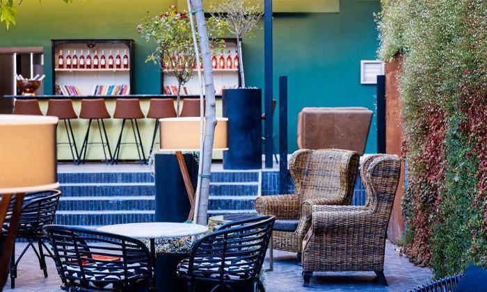 10 בואו להתפנק: לילה ועיסוי זוגי במלון הבוטיק BoBo, תל אביב