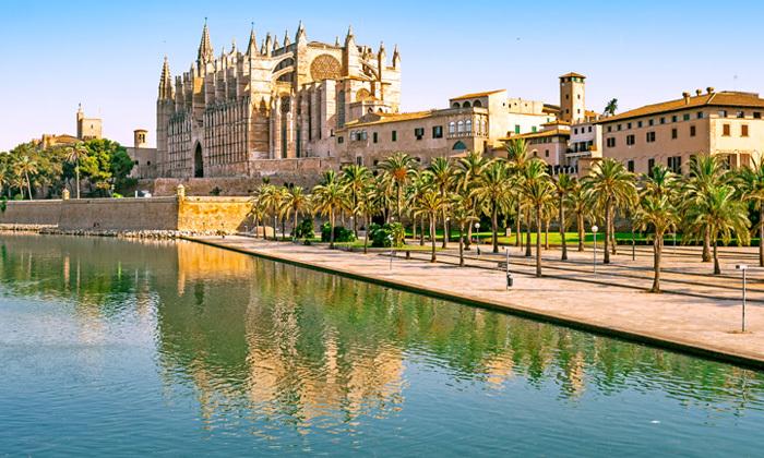 8 חופשת קיץ: 6 לילות בפלמה דה מיורקה, ספרד