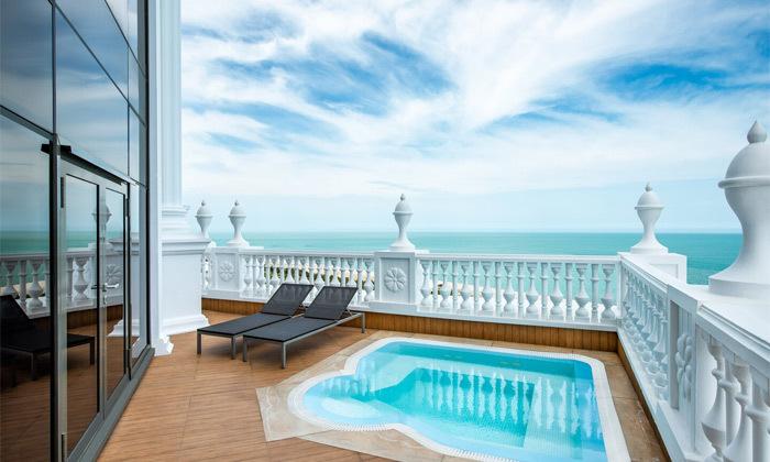 3 3/4 לילות בבטומי: מלון 5 כוכבים מול הים