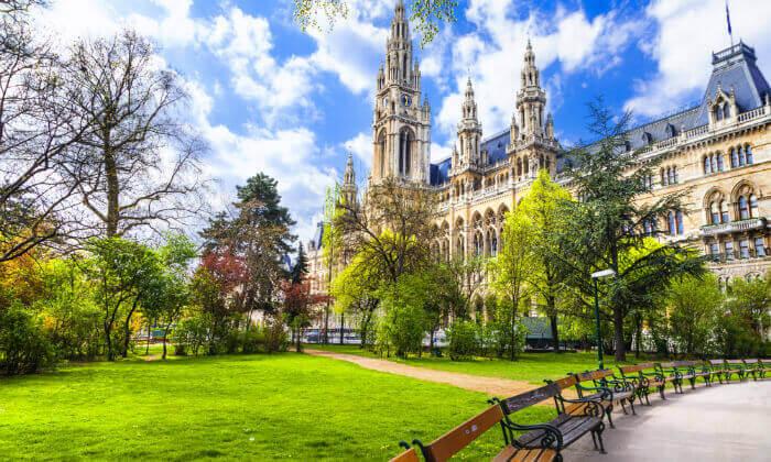 """2 קיץ  בווינה - אטרקציות, נופים ושופינג, כולל סופ""""ש"""