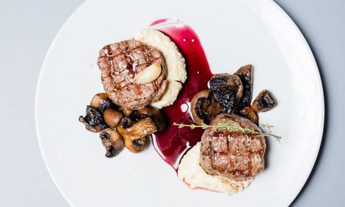 """2 ארוחה זוגית במסעדת סופרה Supra, רוטשילד ת""""א"""