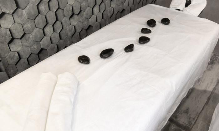 """3 חבילת ספא זוגית עם עיסוי ובקבוק קאווה בספא מלון דרים ביץ', טיילת ת""""א"""