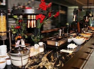 ארוחת בוקר במלון Ultra
