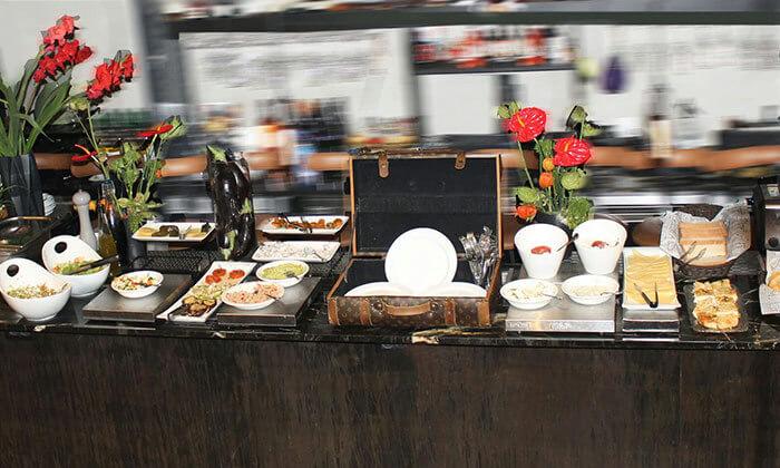 5 ארוחת בוקר במלון אולטרה Ultra, הירקון תל אביב