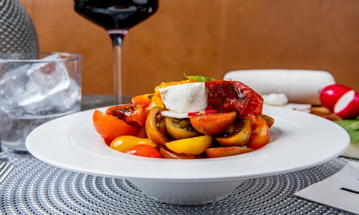 7 ארוחת שף זוגית עם יין וקינוח במסעדת Ultra Bar Food&Wine, תל אביב