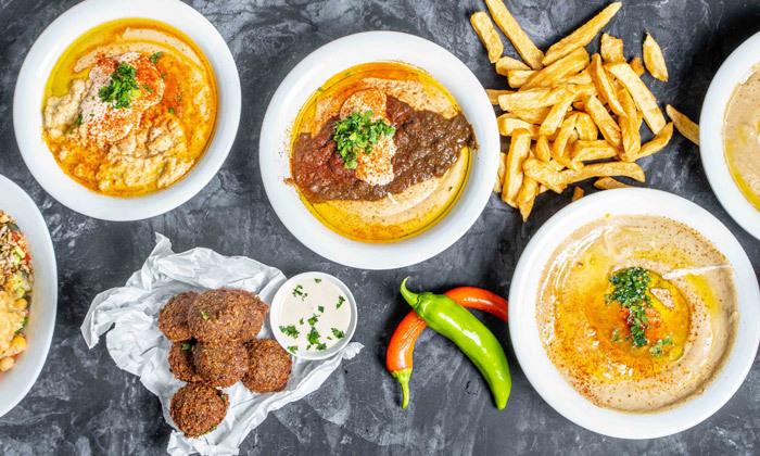 """3 ארוחת חומוס עם מילוי חוזר ללא הגבלה במסעדת חומוס ברכויה, ת""""א"""