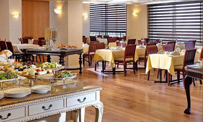 7 חופשה בספטמבר-אוקטובר מול הים במלון העונות, נתניה