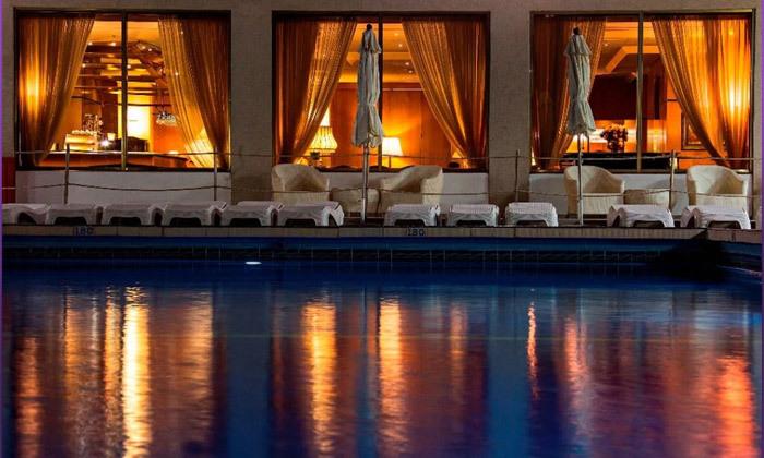 11 חופשה בספטמבר-אוקטובר מול הים במלון העונות, נתניה