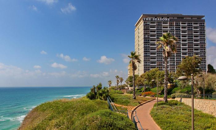 13 חופשה בספטמבר-אוקטובר מול הים במלון העונות, נתניה