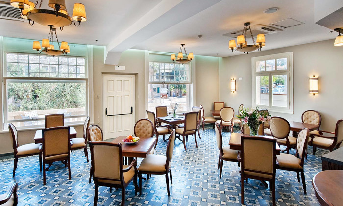 3 לינה וארוחת בוקר במלון קולוני במושבה הגרמנית, חיפה