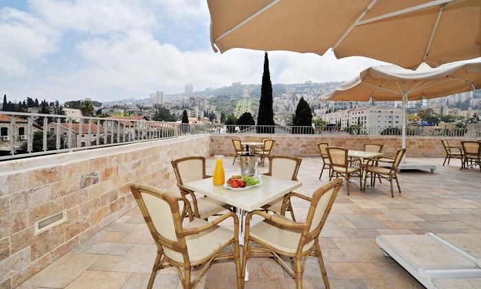 4 לינה וארוחת בוקר במלון קולוני במושבה הגרמנית, חיפה