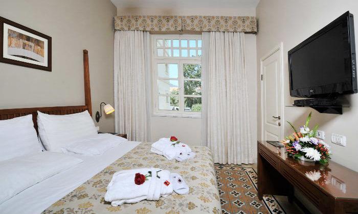 5 לינה וארוחת בוקר במלון קולוני במושבה הגרמנית, חיפה